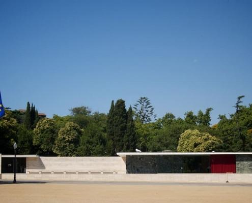 Fachada del Pabellón Alemán en Barcelona