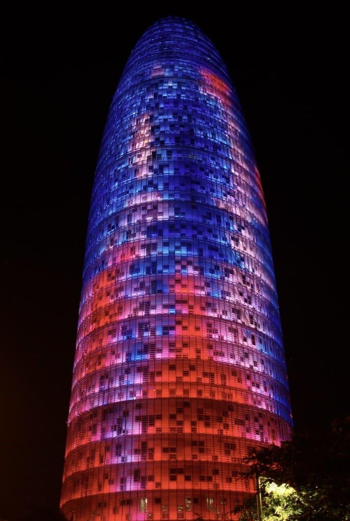 Torre Agbar Imagen Nocturna